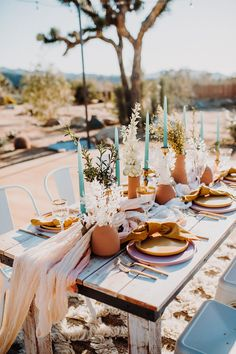 A boho wedding shoot inspired by rock band Queens Bohemian Rhapsody. Decor styling in earthy natural colours. Captured at Tumbleweed Sanctuary. Wedding Shoot, Chic Wedding, Wedding Table, Reception Table, Dream Wedding, Boho Wedding Decorations, Whimsical Wedding, Table Decorations, Desert Aesthetic