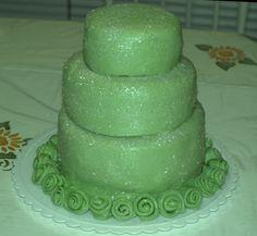 Green sparkled cake