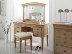 Willis & Gambier Lyon Dressing Table, Stool & Mirror
