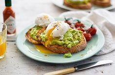 This simple, tasty avocado on with poached eggs & tomatoes can be made in under 30 minutes. Find lots of lovely breakfast recipes at Tesco Real Food. Avocado Toast, Smashed Avocado On Toast, Avocado Egg, Importance Of Breakfast, Avocado Recipes, Healthy Recipes, Avocado Ideas, Breakfast Recipes, Dinner Recipes