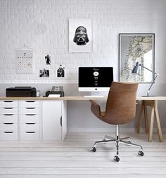 Modern Home Office Design is certainly important for your home. Whether you choose the Modern Home Office Design or Decorating Big Walls Living Room, you will make the best Modern Office Design Home for your own life. Home Office Space, Office Workspace, Home Office Design, Home Office Decor, Office Designs, Small Office, Office Decorations, Office Furniture, Office Table