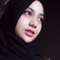 Hijaber Video Cute Make a Song - Tik Tok Hijab Beautiful Hijab Girl, Beautiful Muslim Women, Beautiful Ladies, Hijab Style, Hijab Chic, Beau Hijab, Hijab Niqab, Iranian Women, Girl Hijab