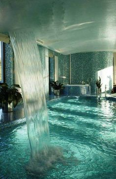 Amazing Pool - Just a dream. I LOVE indoor pools! Future House, My House, Romantic Bathrooms, Dream Bathrooms, Bathtub Dream, Luxury Bathrooms, Amazing Bathrooms, Romantic Bathtubs, Dream Shower