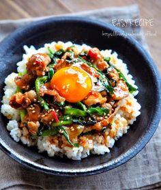 フライパン5分でできるやみつき丼♡発売中です♩詳細はこちら→☆☆☆Amazon   楽天ブックスレシピ検索はこちら▼instagramお仕事のご依頼はこちらまで▼mizuki.oshigotoirai@gmail.comーーーーーーーーーーーーーーーーーーおはようございます(*^^*)今日はお Asian Recipes, Healthy Recipes, Ethnic Recipes, Finger Food Catering, Good Food, Yummy Food, Lunch Menu, Japanese Food, Food Inspiration