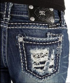 Good Idea to do some old jeans with pockets..