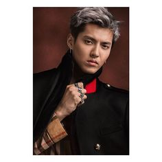 The Kris Wu Edit, a selection of his favourite pieces from the #Burberry collection. . Follow the link in the bio to shop the #KrisWu edit.