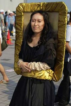 If I was dressing up for Halloween. 17 Brilliant Art History-Inspired Halloween Costumes These are WAY more genius than painting on a unibrow and being Frida Kahlo. Creative Costumes, Cute Costumes, Diy Halloween Costumes, Halloween Cosplay, Halloween Makeup, Halloween Party, Costume Ideas, Carnaval Costume, Mona Lisa