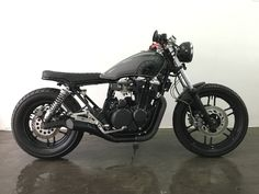 Honda Nighthawk 650 - Cafe Racer