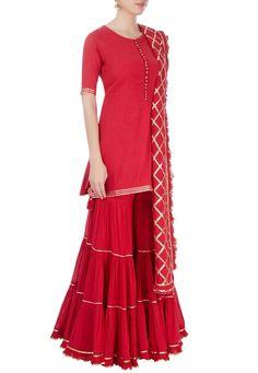 Latest sharara designs for wedding Indian Dresses, Indian Outfits, Lehenga, Kurta Cotton, Sharara Designs, Mehendi Outfits, Kurti Embroidery Design, Indian Designer Suits, India Fashion