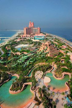 http://www.FarrScape.com  Aquaventure Water Park, Palm Jumeirah, Dubai /// #travel #wanderlust