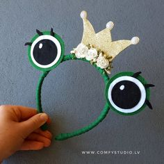 Items similar to frog princess headband - frog costume - frog party - frog hat - felt frog eyes - frog - nursery - animal party dress on etsy Frog Nursery, Animal Nursery, Felt Crafts, Diy And Crafts, Diy For Kids, Crafts For Kids, Frog Costume, Costume Dress, Frog Eye