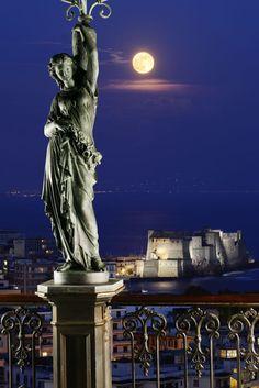 Lampioni delle muse:- terrazza del Grand Hotel Parker's con Ristorante George – Napoli – Patron Famiglia Avallone,