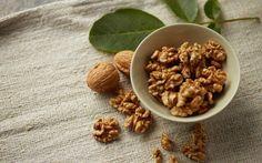 Ara öğünde 3-4 adet ceviz enerji verir, tok tutar. Ceviz, yağ asitleri içeren besinler arasında E vitamini bakımından en zengin kuruyemiştir; her gün bir avuç tüketmenin faydası sonsuzdur.