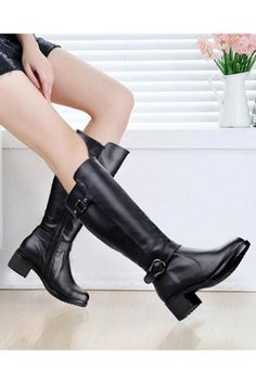 Black Round Toe Buckles Embellished Zipped Boots