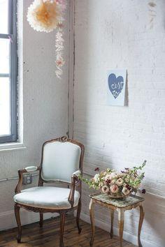 Philly Blogshop . Rentals by Maggpie Vintage Rentals . Florals by Sullivan Owen