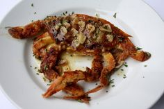 Elizabeth's Edible Experience: Succulent Soft Shells Crabs Recipe with GARLIC butter...........