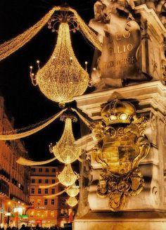 x-mas chandeliers - only in Paris !