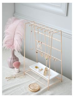 Gold rack This dressing table is really beautiful, it is the dream of every girl. Room Ideas Bedroom, Bedroom Decor, Cute Room Decor, Aesthetic Room Decor, Room Accessories, New Room, Decoration, Jewelry Holder, Diy Jewelry Stand