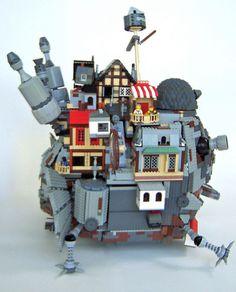 El castillo de Howl hecho con figuras Lego.