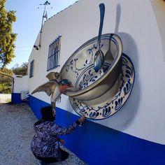Image Glass, 3d Street Art, Amazing Street Art, Sand Sculptures, 3d Drawings, Drawing Art, Love Blue, Glass Ceramic, Land Art