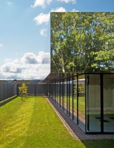 Mesmerizing mirror façades help these buildings around the world to sparkle