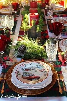 table.quenalbertini: Holiday Tablescape Blog Hop - Plaid Tidings | everydayliving.me/2016/11/28/holiday-tablescape-blog-hop-plaid-tidings/