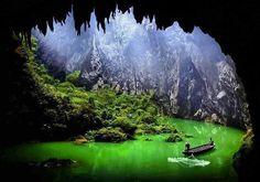 https://flic.kr/p/Eg3wCR | ingXi Corridor of Stone Peaks, China