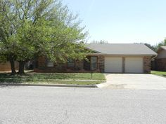 Great property in North Lubbock; easy access to Tech, medical, and LCU.