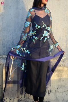 Purple Organza Floral Hand painted Stole Dress Indian Style, Indian Dresses, Indian Suits, Indian Wear, Latest Suit Design, Hand Painted Sarees, Suits For Women, Clothes For Women, Indian Fashion Trends
