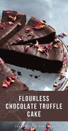 This Flourless Chocolate Cake channels the finest truffle, with rich chocolate taste and silky smooth texture. Flourless Desserts, Easy Chocolate Desserts, Flourless Chocolate Cakes, Decadent Chocolate, Chocolate Treats, Chocolate Recipes, Easy Desserts, Easy Cookie Recipes, Cupcake Recipes