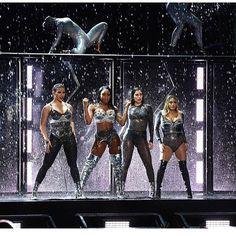 """13 Me gusta, 2 comentarios - Fifth Harmony (@life_5h__) en Instagram: """"#vmas"""""""