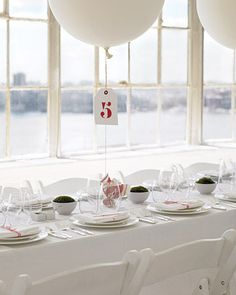 Balloon Centerpiece + Table Numbers = 'Elevated' Creativity ...go big for extra wow factor