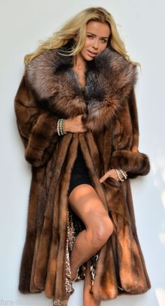 Nadire Atas on Luxury Fur Coats Demi Buff Swinger Royal Saga Mink Fur Coat Class of Poncho Jacket Sable Fox Lynx Fur Fashion, Winter Fashion, Fashion Outfits, Womens Fashion, Fabulous Furs, Moda Vintage, Fox Fur Coat, Mink Fur, Fur Collars