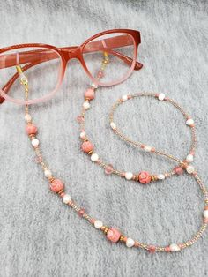 Diy Jewelry Projects, Jewelry Crafts, Jewelry Ideas, Beaded Jewelry, Beaded Necklace, Beaded Lanyards, Pink Agate, Metal Beads, Eyeglasses