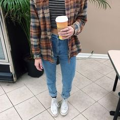 Jeans blouse plaid shirt flannel shirt pants cardigan flannel plaid lose casual hipster baggy pants old Fashion Guys, Look Fashion, Winter Fashion, Fashion Outfits, Fashion Women, 90s Fashion Grunge, Hippie Fashion, Net Fashion, Tumblr Fashion