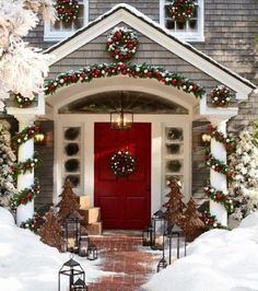 Outdoor Christmas Decoration Ideas - Picture Postcard Garlands - Click Pic for 20 Front Porch Christmas Decorating Ideas