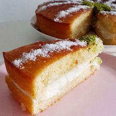 Özel tariflerim arasında benim için vazgeçilmez olan padişah yastığı pastası, harika lezzeti ve güze