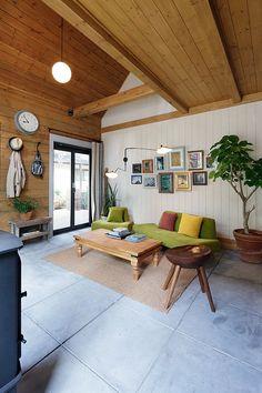 建築師 山中祐一郎 的作品「Country Loghouse」。 前些年日本的建築設計,也受到屋主偏愛北歐型態或者Loft風格的影響,有了些許變化,這個位於東京市郊的木屋,讓你有置身歐美國家的錯覺。 via S.O.Y.建築環境研究所