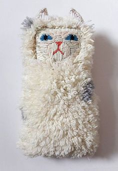 Alice Oehr cat tapestries - reminds me of Kiriki Press Contemporary Embroidery, Art Textile, Textiles, Soft Sculpture, Diy Toys, Handmade Toys, Softies, Diy For Kids, Bunt