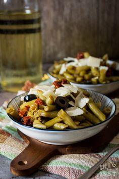 Bohnensalat italienischer Bohnensalat Salat mir Oliven getrocknete Tomaten