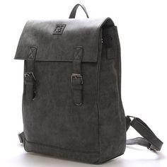 4ebd020a34  Novinka Černý stylový batoh Enrico Benetti s objemnou kapsou. Do batohu se  vejde na
