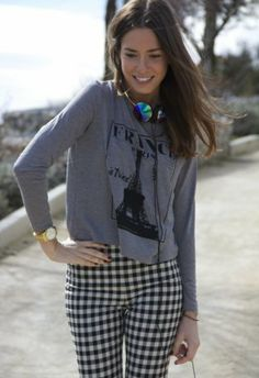 Camiseta Gris Oscuro   Pull Pull N Bear, My Bags, Fashion Outfits, Womens Fashion, Get Dressed, What To Wear, Headphones, Dresses For Work, Street Style