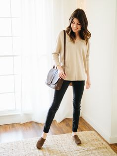 four happy things for your monday. Ivory sweater+black skinny jeans+brown mules+brown crossbody bag. Winter Casual Outfit 2017