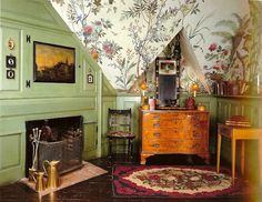 Beauport, Bedroom with Zuber wallpaper; photo from Historic New England website, Wilson Kelsey Design Historic New England, Historic Homes, Wallpaper Ceiling, Zuber Wallpaper, Urban Cottage, English Interior, Old Room, English House, Elements Of Style