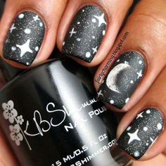 """If you're unfamiliar with nail trends and you hear the words """"coffin nails,"""" what comes to mind? It's not nails with coffins drawn on them. It's long nails with a square tip, and the look has. Nail Swag, Diy Nails, Cute Nails, Shellac, Cute Halloween Nails, Galaxy Nails, Nail Polish, Silver Nails, Black Nails"""