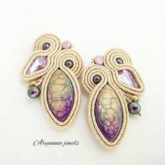 Aryanna jewels con cabochon handmade https://www.etsy.com/it/listing/598500339/orecchini-soutache-pastello-lilla