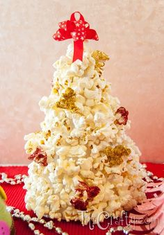 Popcorn, Yarn And Paper Crafty Christmas Trees