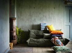 By Camilla Krishnaswamy - Plaza Deco 04 Undone Look, Interior Stylist, New York, Cushions On Sofa, Elle Decor, Contemporary Interior, Interior Design Inspiration, Cover, Living Spaces