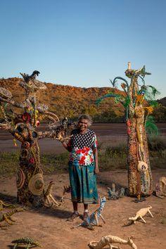 Aboriginal weaving, tjanpi fibre art from the Central Desert of Australia Aboriginal Culture, Aboriginal Art, Animal Sculptures, Sculpture Art, Garden Sculptures, Australian Aboriginals, Plastic Bottle Art, Australian Art, High Art