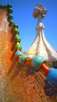 Casa Batlló / Barcelona / Spain by Antoni Gaudi Beautiful Architecture, Art And Architecture, Architecture Details, Art Nouveau, Casa Gaudi, Antonio Gaudi, Madrid, Spain Travel, Mosaic Art